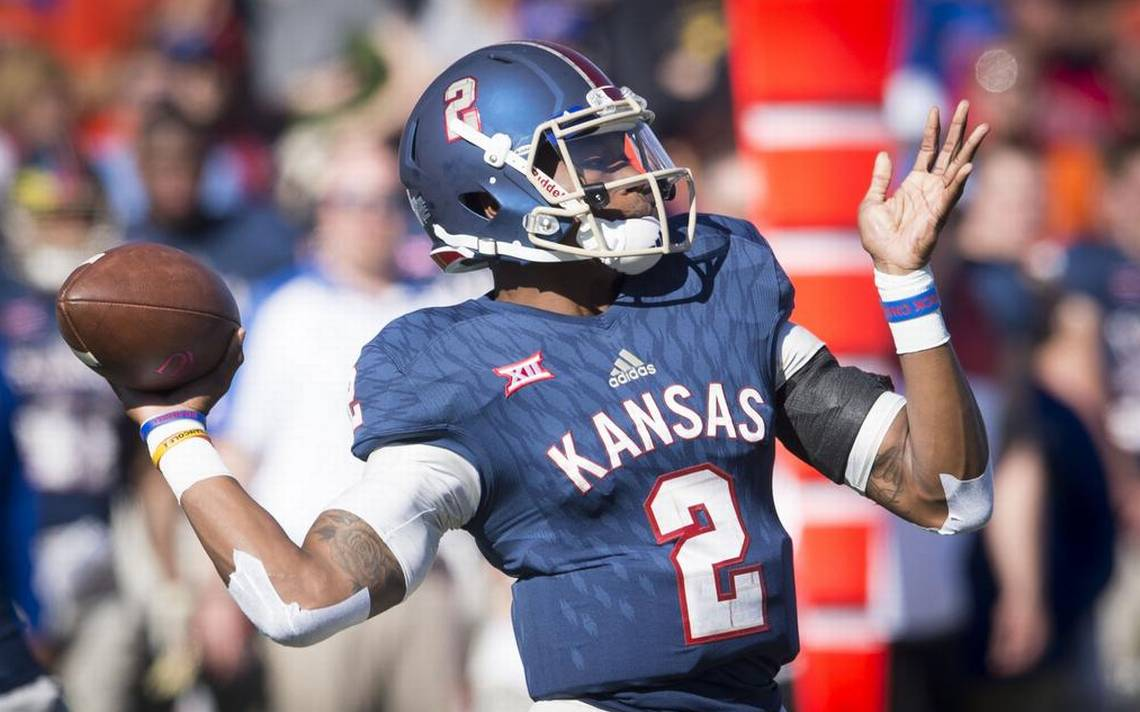 KU football quarterback Montell Cozart announces he will transfer