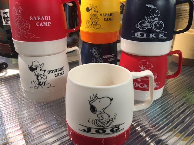 店頭にて販売中!人気のスヌーピーディズニー仕様の #dinex マグカップ!!内側に断熱材のインサレーションが施された2