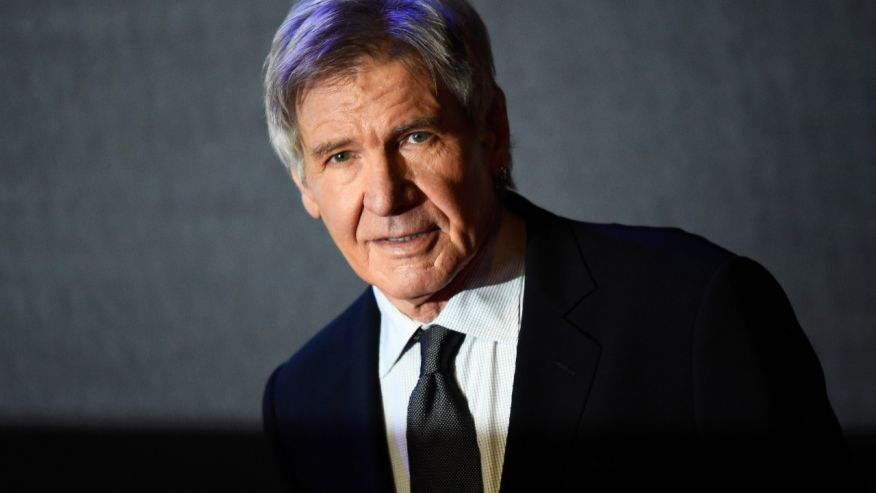 Video shows Harrison Ford flying over airliner https://t.co/79zCFkWRuc