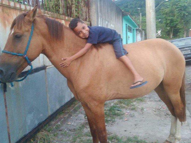 Ladrão devolve cavalo roubado após ver post sobre sofrimento de criança https://t.co/lZlXujeySa #G1
