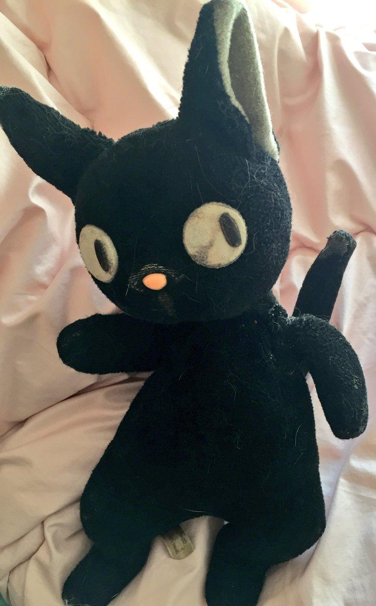 2月22日猫の日🐾にゃんにゃんその1年季の入ったジジ名は「にゃんにゃん」娘が幼い頃、お店で抱きしめ離そうとしなかった魔女