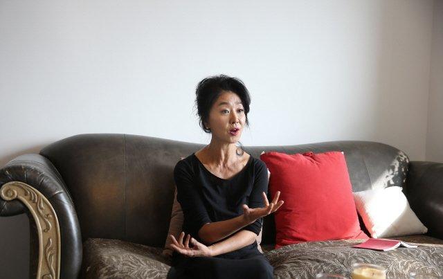 '난방열사' 김부선, 5·18 상처 간직한 전일빌딩에 선다 https://t.co/AAXlGW3Slu 영화 <임을 위한 행진곡> 다음달 초부터 다시 촬영