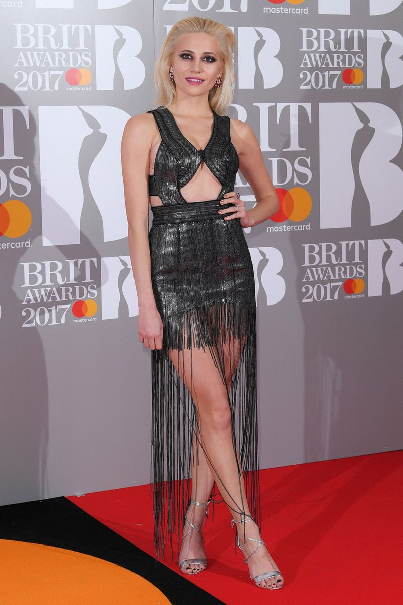 Walking the Brits red carpet earlier were Katy Perry, James Arthur, Pixie Lott & Craig David #BRITs2017