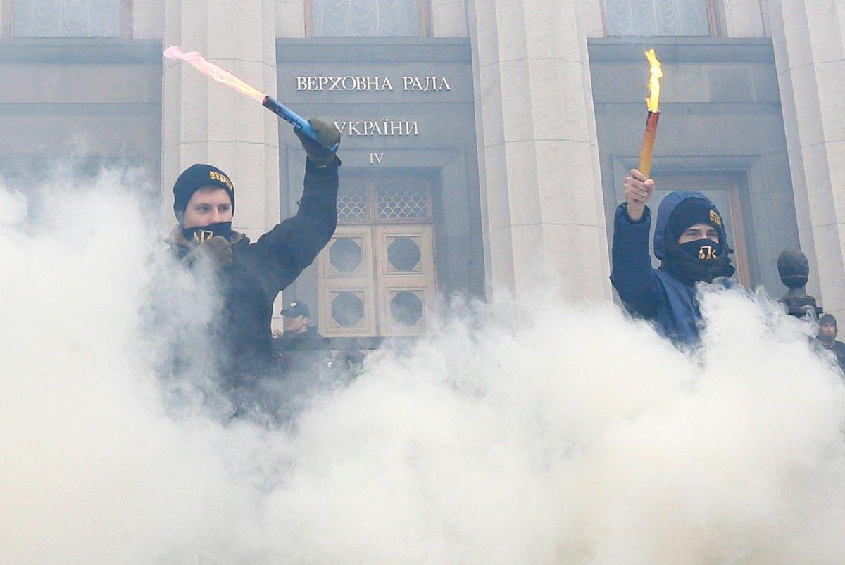 «Всё только начинается»: националисты провели марш в центре Киева (ФОТОГАЛЕРЕЯ) https://t.co/FXXKNSPH0j