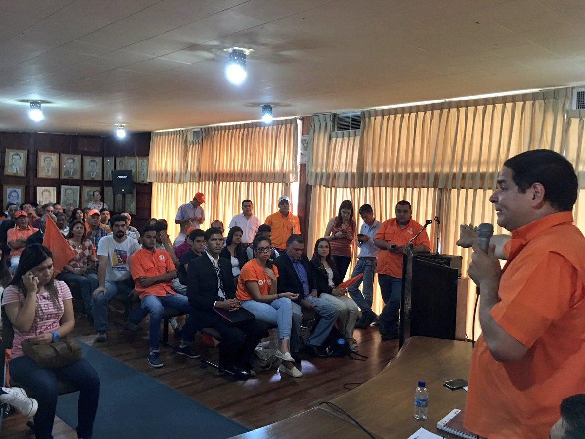 Arriba el #Táchira que hoy dijo con contundencia: a @VoluntadPopular lo valida el pueblo en la calle  #22Feb