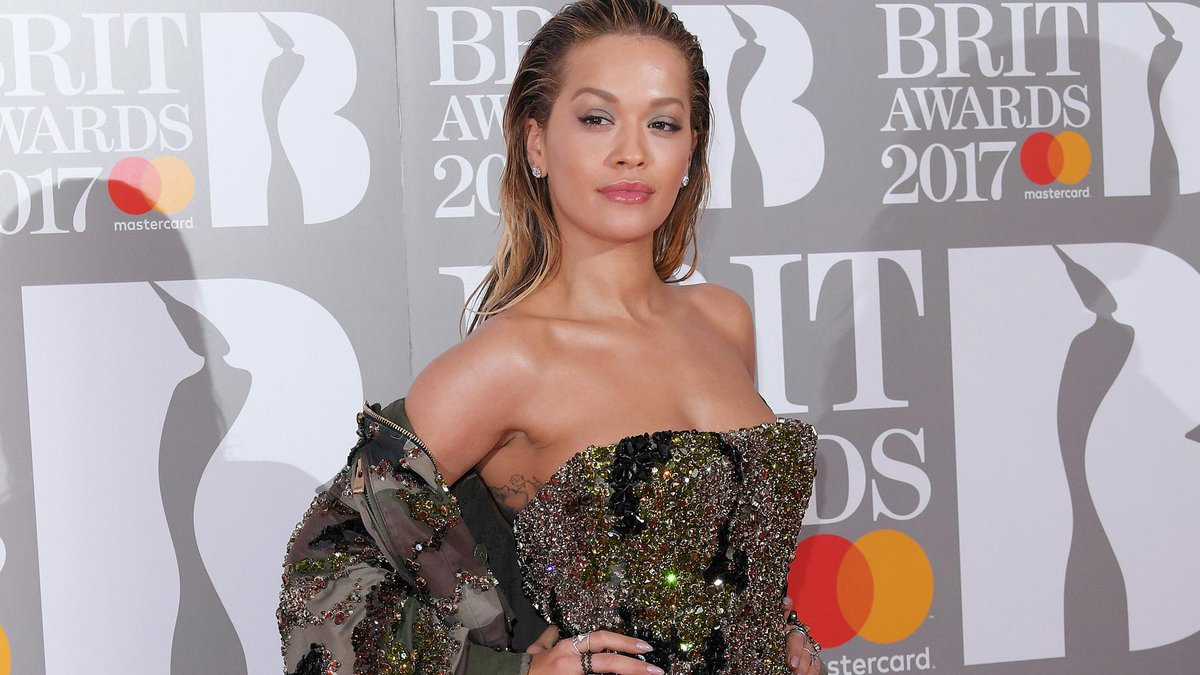 RT @marieclaireuk: The @BRITs are GO! We're totally into @RitaOra's bedazzled dress https://t.co/2Rk5xeJ0CO https://t.co/iXPamtjXua