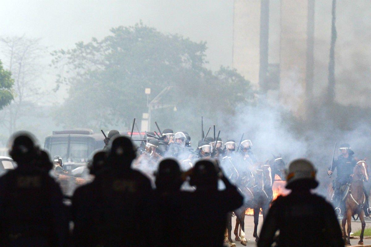 Anistia Internacional vê retrocesso em direitos humanos no País. Mulheres, indígenas e LGBTs são principais vítimas https://t.co/m3I1fIrLut