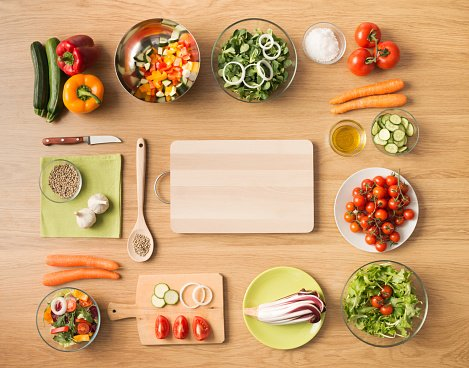 Despite what you see in some diet books and on TV, healthy eating can be really simple. Info: https://t.co/8PRtYxkg7t #ThursdayThoughts
