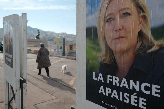 Un ex-chef du KKK apporte son soutien à Marine Le Pen >> https://t.co/TqLxqrS2ld