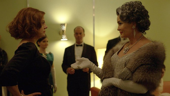 TV REVIEW: Jessica Lange and @SusanSarandon in