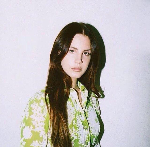RT @LanaDelRey_PY: Nueva foto de perfil de Lana Del Rey en Apple Music  ❤️ https://t.co/8YfkTI4a9i