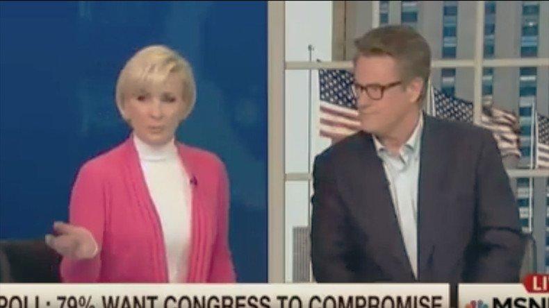 C'est aux médias de «contrôler ce que les gens pensent»! Et c'est la fille de Brzezinski qui le dit #NBC LA SUITE : https://t.co/KLaVWXeQ0d