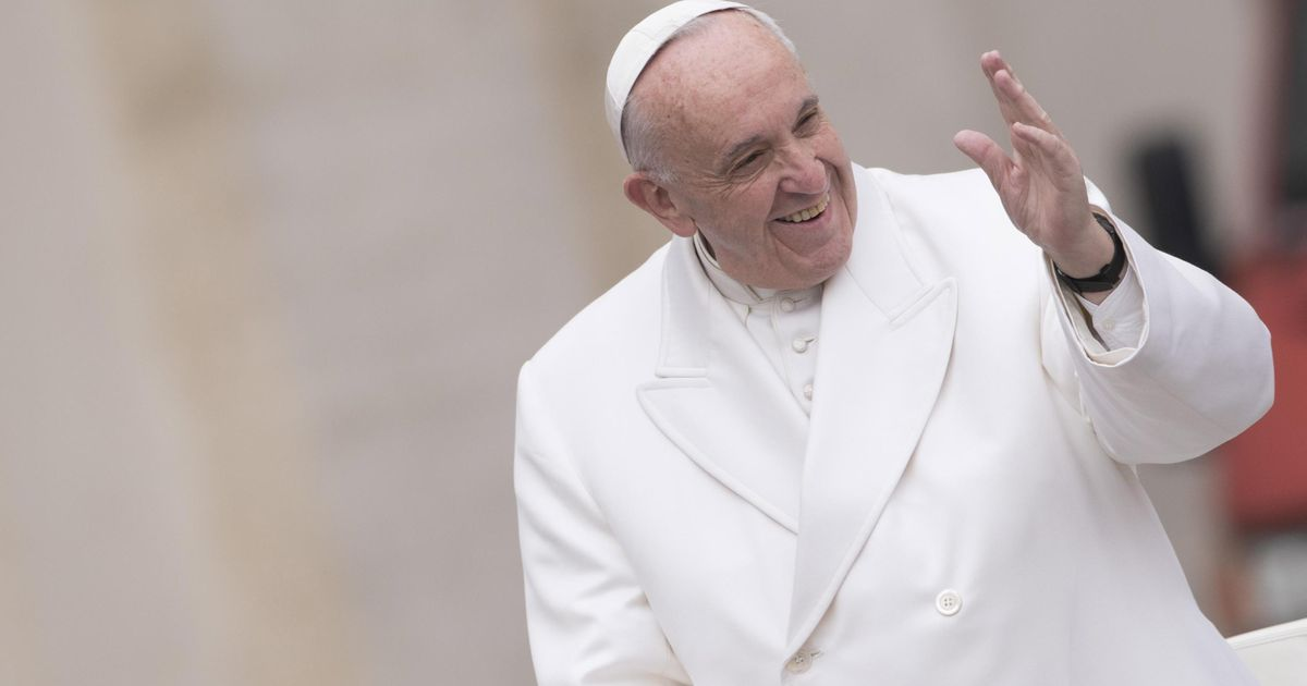Pope Francis Better to be an atheist than a greedy Catholic