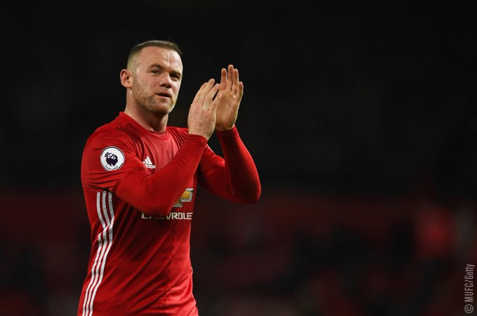 Rooney: I'm staying at #MUFC.  Read more: https://t.co/EbmNdjf4gC