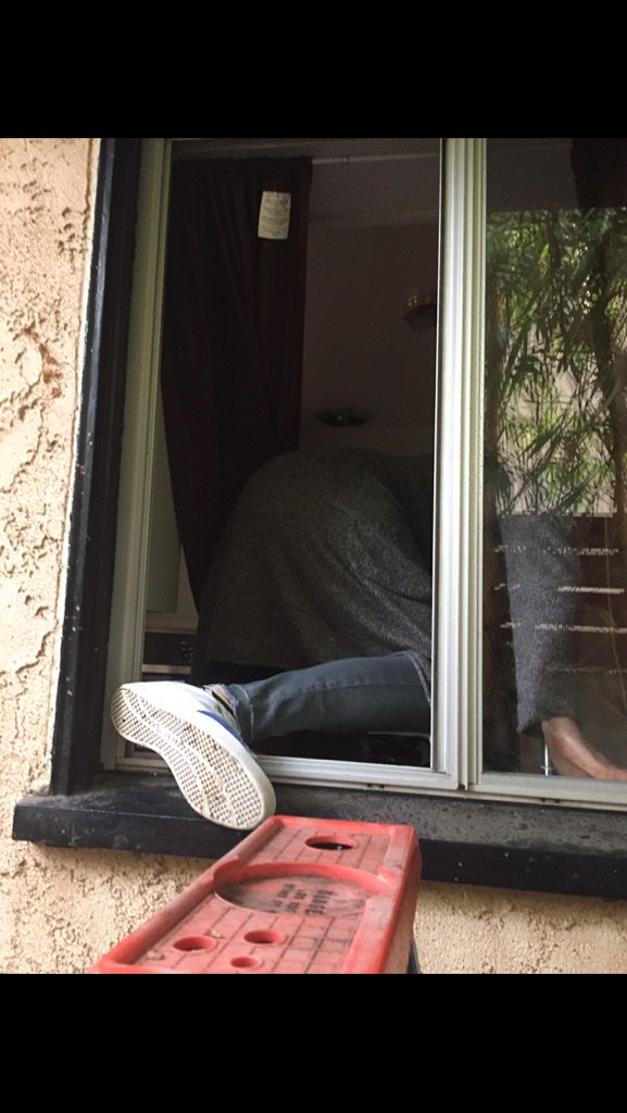 Today's #steveaustinshow podcast picture. Breaking into 317 Gimmick St. #getanextrakey #breakingbad https://t.co/DoFIsXRVGS
