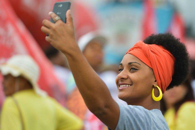 O uso de turbantes por pessoas brancas é apropriação cultural? Entenda:  https://t.co/tlnYcp3VxV