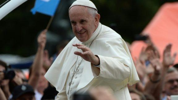 Papa critica católicos que levam 'vida dupla'. https://t.co/RB1c4JUcRN