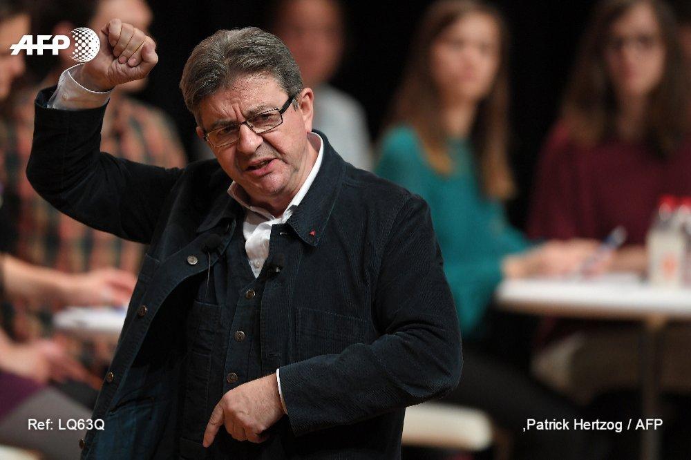 Jean-Luc Mélenchon se dit 'disponible',  ne ferme plus 'aucune porte' https://t.co/Ta4VGk7hCp #AFP