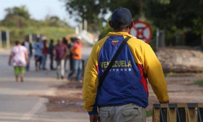 Em 24 horas, governo revoga visto humanitário para venezuelanos. https://t.co/tegrp6CFs3