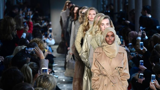 This hijab-wearing model made history at Miss Minnesota USA pageant. Now she makes her debut at Milan Fashion Week 🔥 https://t.co/sPAheeNS0J