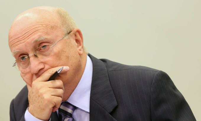 Temer oficializa Osmar Serraglio para o Ministério da Justiça. https://t.co/Ip60QqGiVt