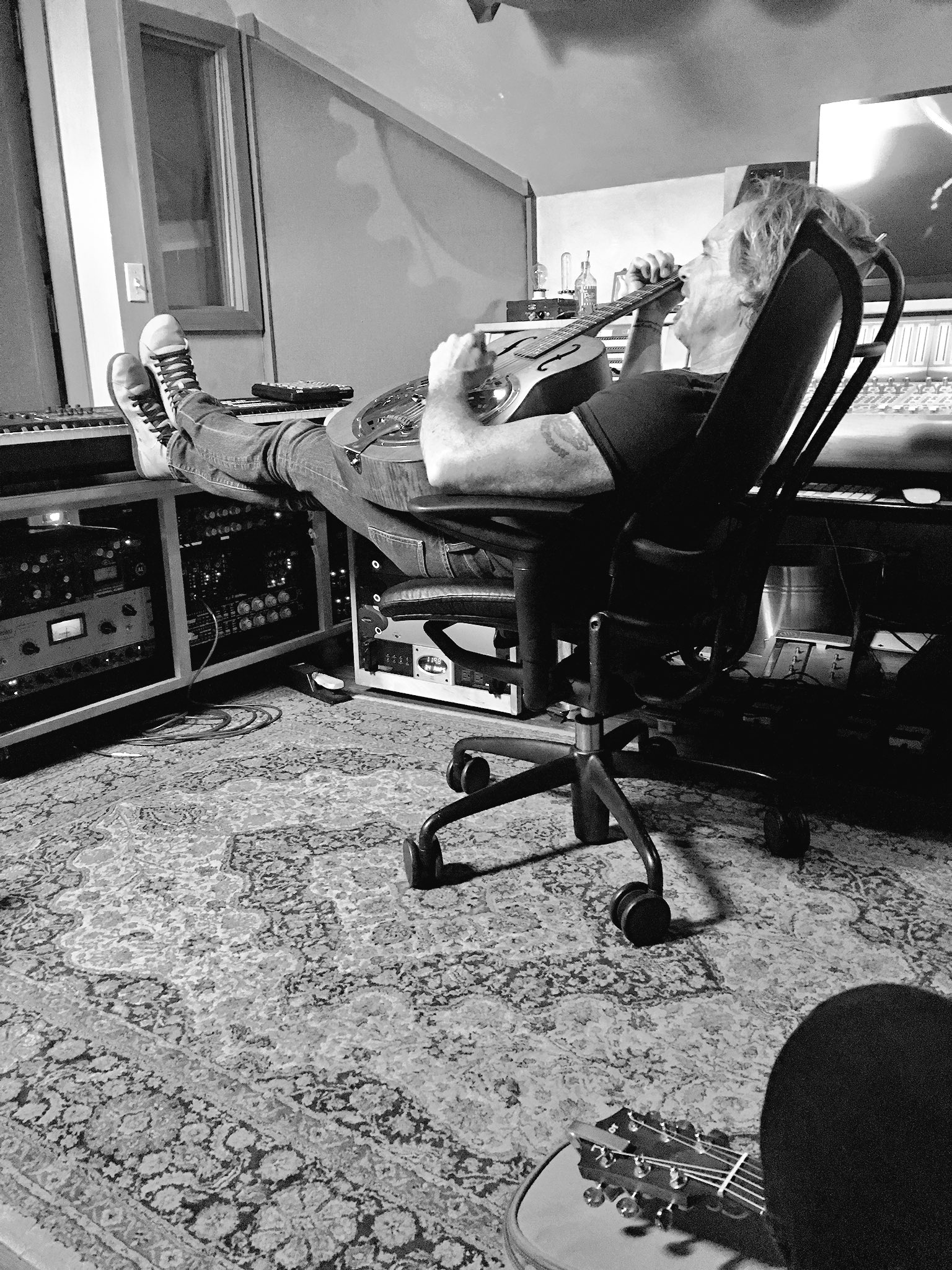 Writin' sweet tunes with the legend Jeffrey Steele https://t.co/yQsjBV3oHL