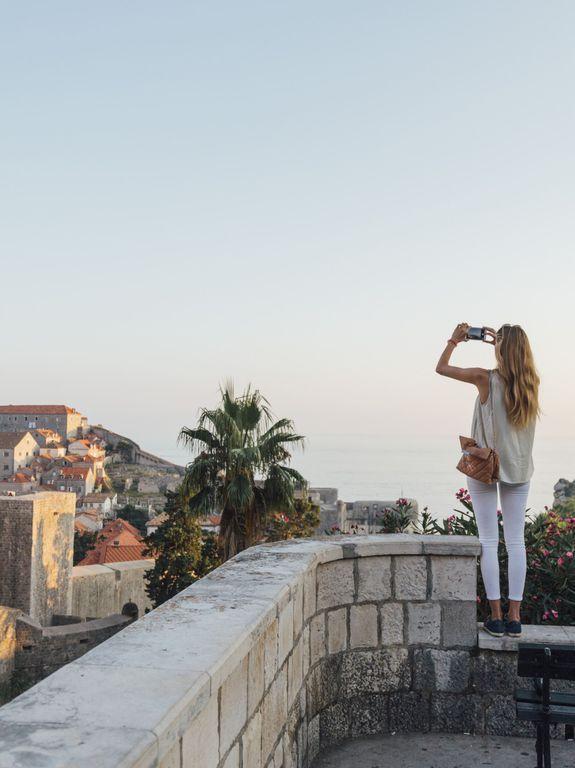 Job de rêve : être payé pour poster sur Instagram en faisant le tour de l'Europe @busabout https://t.co/W9zj23dUrP