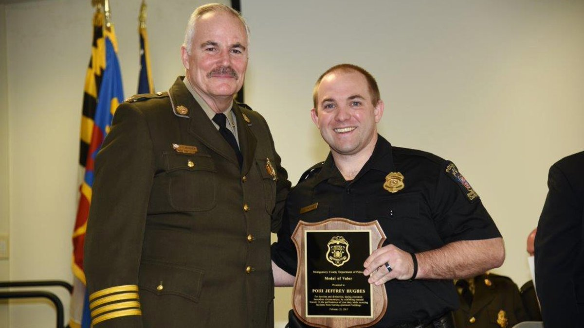 Maryland police officer honored for heroism after apartment explosion  https://t.co/gzkqEJVcTw