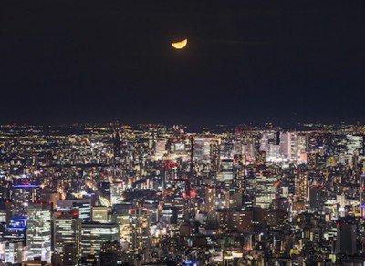【月が綺麗ですね】「日本百名月プロジェクト」新たに7カ所を追加 https://t.co/UR5Bcccd3v  「東京スカイツリーから望む月」などが新たに登録され、認定地は21カ所となった。全国約4700人の夜景鑑賞士が選定。