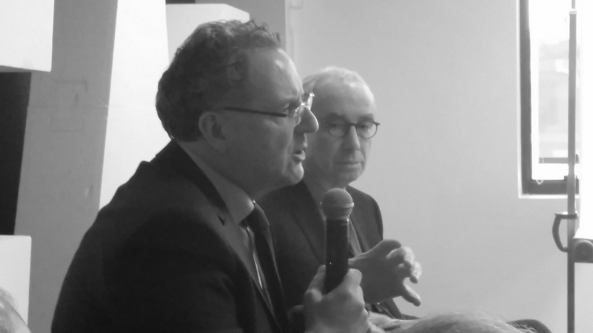 En ce moment au Qg #EnMarche présentation de la stratégie  économique  par Richard Ferrand et Jean Pisani-Ferry