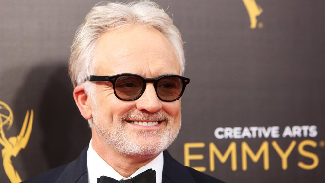 .@WhitfordBradley joins @Busyphilipps25 in NBC's pilot 'The Sackett Sisters'