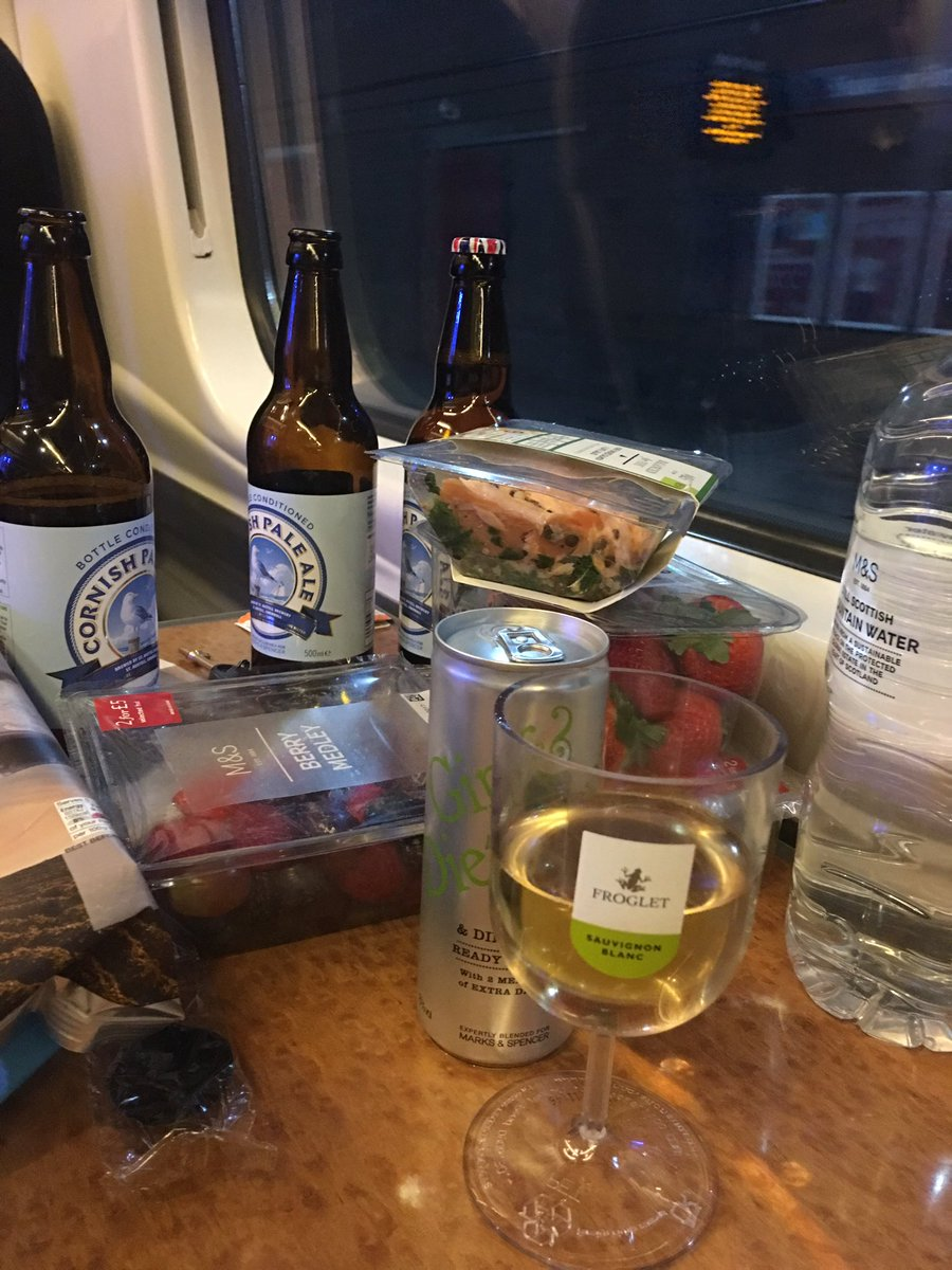 Homeward bound after an intense 36 hours in #copeland. Yes, all those drinks are mine https://t.co/AJGWU6vsUu