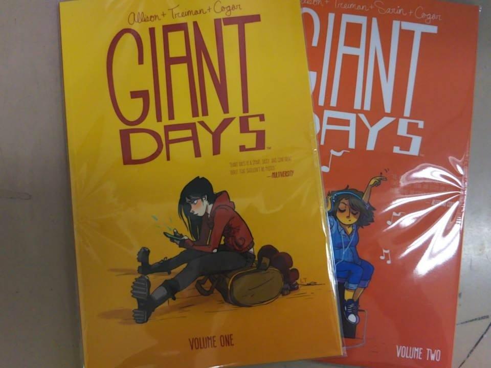 こちらも本日新入荷のグラフィックノベル『GIANT DAYS』。女子大生3人の、恋や友情のキャンパスライフを描いた日常系