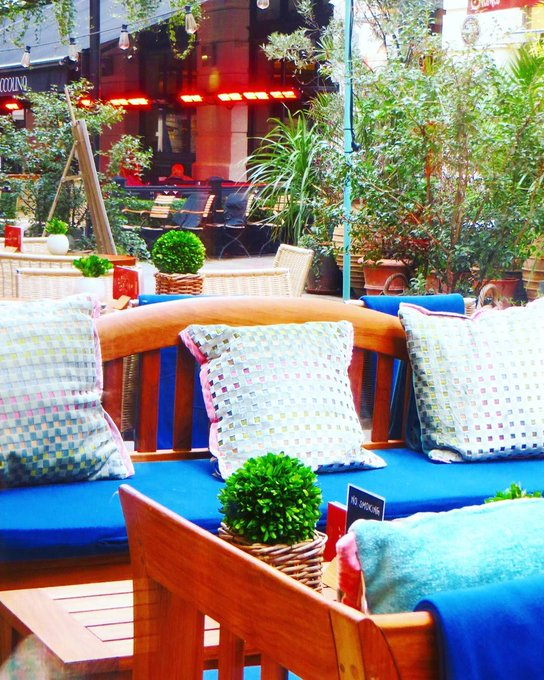 Love this pic of our cosy SPRING TIME terrace @opheliesjourney