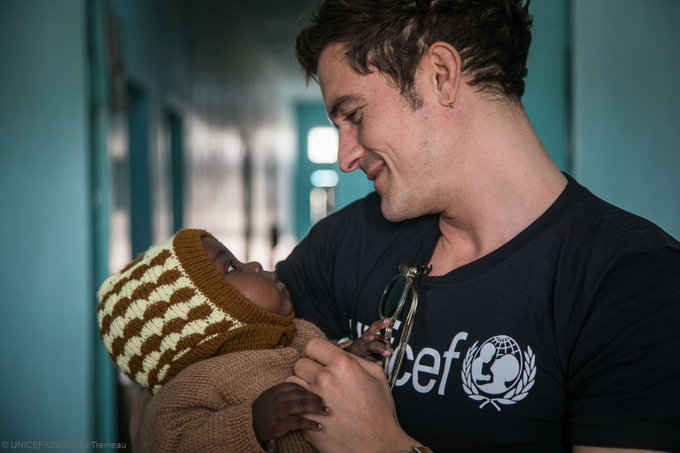 Goodwill Ambassador #OrlandoBloom met #ChildrenUprooted by Boko Haram violence on his recent trip to #Niger https://t.co/jrA7g5yjEb