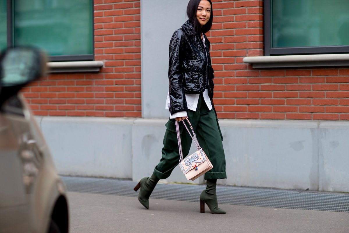 Yoyo Cao heads out to the #FendiFW17 show at #MilanFashionWeek with a #FendiKanI in tow. https://t.co/RwXpmRQd0W
