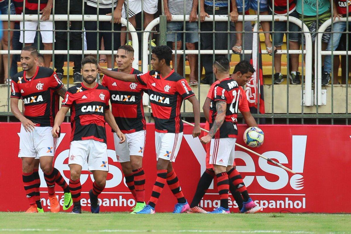 Acadêmicos do Clube de Regatas Do Flamengo Quesito harmonia Nota... DEZ! #FoliaRubroNegra