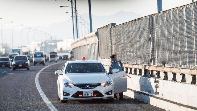 【これはすごい】日本の警察史上最速となる覆面パトカーの正体 https://t.co/ke9yIFpw7l  スーパーチャージャーを装着し、ノーマルより42馬力アップの360馬力。 「260kmまでついてこられた」との声も。