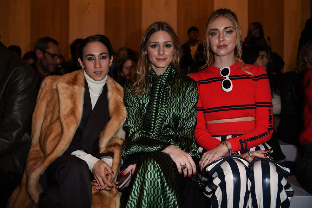 Front row fabulous @OliviaPalermo, @DelfDelettrez and @ChiaraFerragni at the #FendiFW17 show during #MFW. https://t.co/EeawgNeB1t