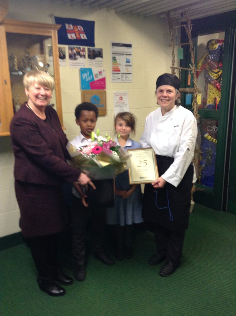 We were really proud to congratulate Angela Stasi, our school cook, on 25 years of service. https://t.co/cwjyJhBiji