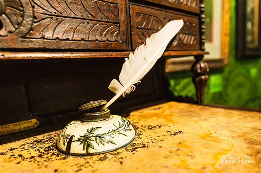Écrire .... c'est placer des mots sur une page, de simples mots qui peuvent toucher, émouvoir, faire sourire ou faire rêver...