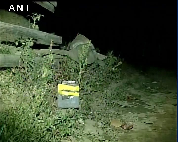 Okram Chuthek (Imphal) bomb blast: One live bomb recovered, bomb disposal squad at the spot. No casualties reported.