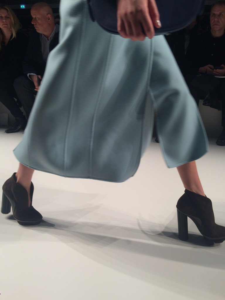 RT @VVFriedman: The new @Ferragamo sculptural heel #MFW https://t.co/sWgX8RohRl