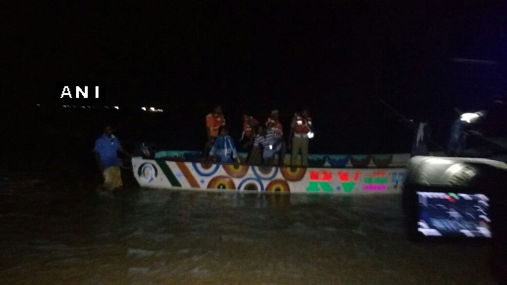 Tamil Nadu: 9 tourists dead, 11 rescued after a boat carrying 20 capsized in sea near Manapad area of Tuticorin.