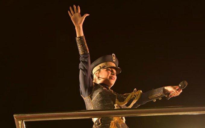 Tem mais Claudia Leitte em Salvador. SIGA: https://t.co/O2Y9HFFpEF #Carnaval2017 #G1