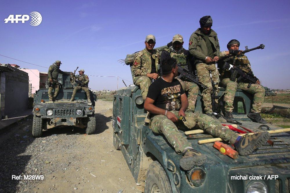 Pont flottant sur le Tigre, objectif des troupes irakiennes à Mossoul https://t.co/wcIGJYzoAG #AFP