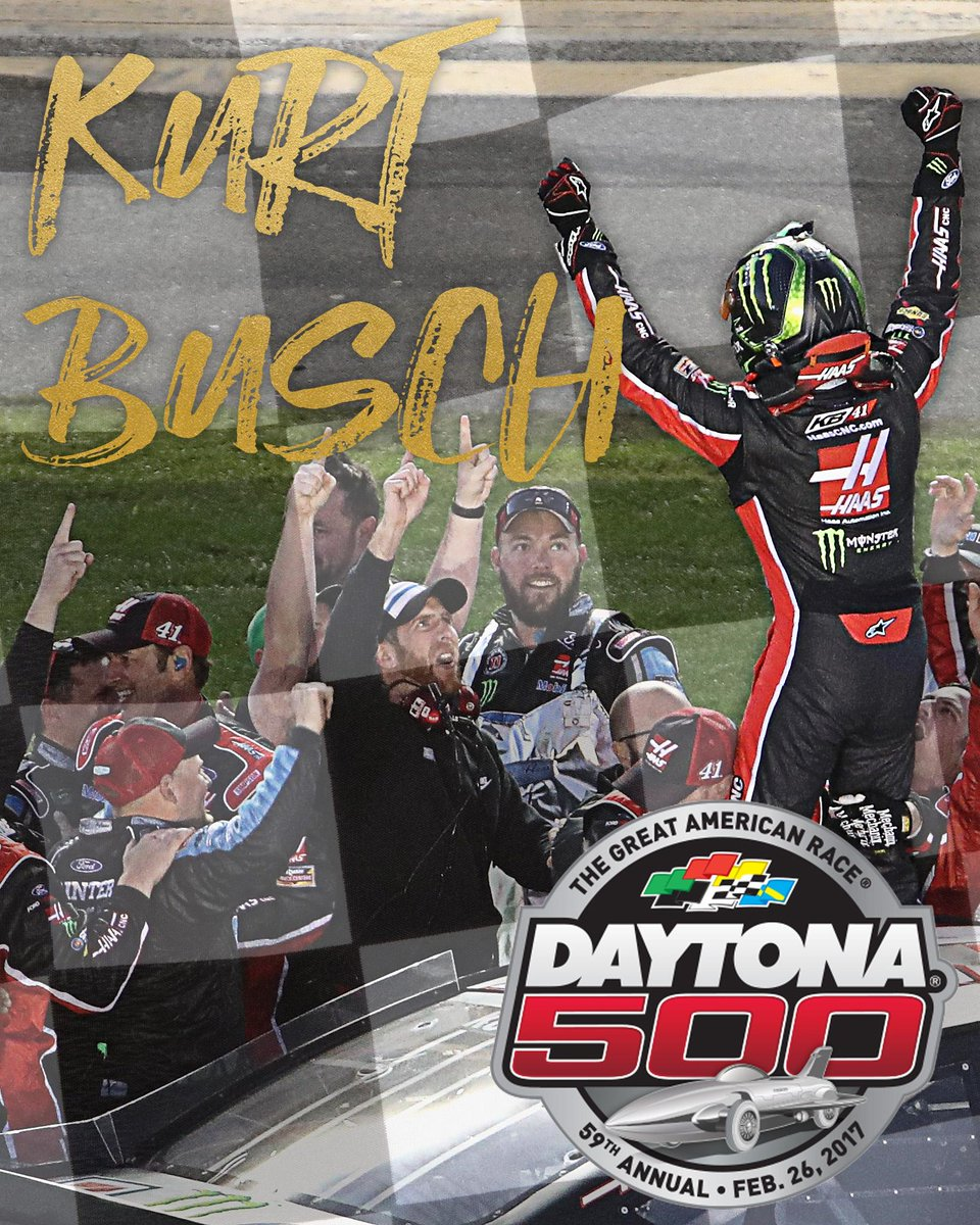 Kurt Busch passes Kyle Larson on the final lap to win his 1st Daytona 500.