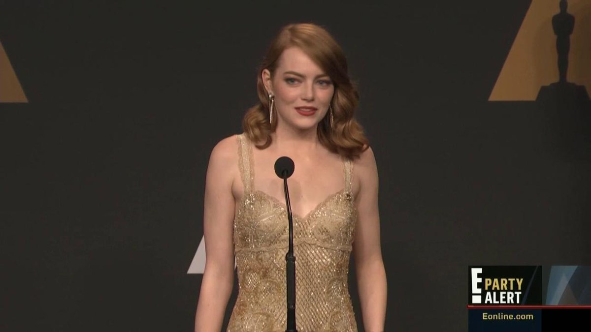 "Emma Stone backstage ""I was also holding my Best Actress card at that time ... I don't know what happened."" #Oscars"