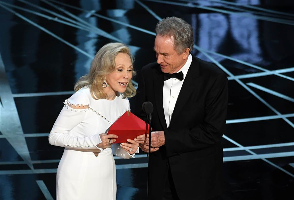 All the pictures from THAT dramatic Best Picture Oscars moment
