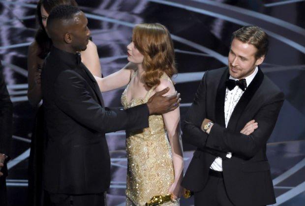 'Não sei o que aconteceu', diz Emma Stone sobre gafe do Oscar